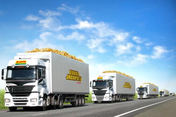 LKW-Flotte gefüllt mit 1 Euro Münzen auf dem Weg zum Eurojackpot-Gewinner