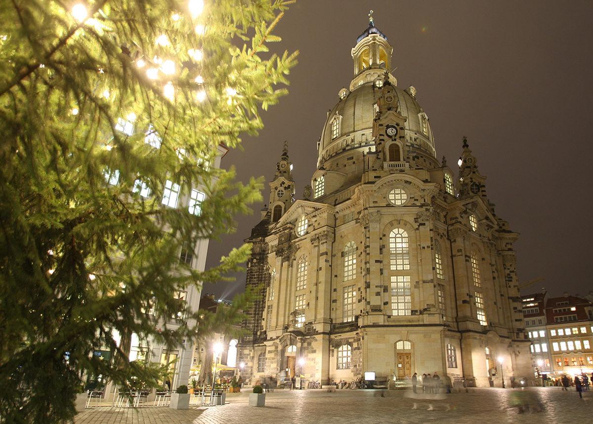Dresdner Frauenkirche - Weihnachtsmarkt in Dresden